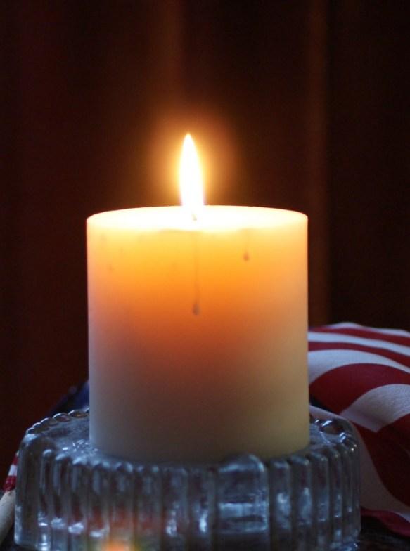 9_11_01_candle